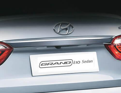tay-nam-cop-sau-hyundai-i10-sedan